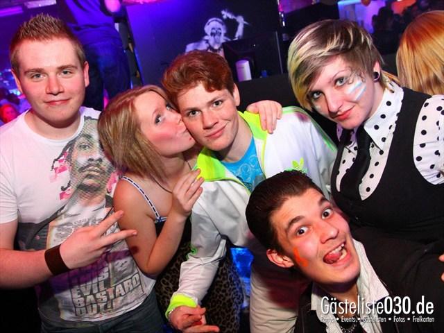 https://www.gaesteliste030.de/Partyfoto #190 Q-Dorf Berlin vom 10.12.2011