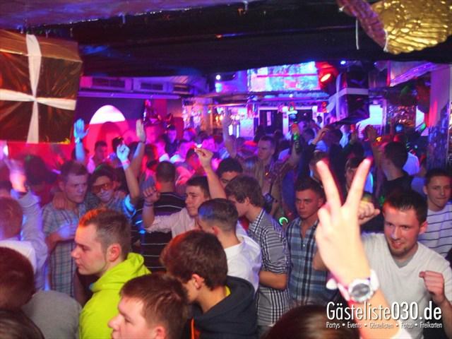 https://www.gaesteliste030.de/Partyfoto #42 Q-Dorf Berlin vom 23.12.2011