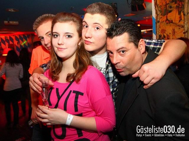 https://www.gaesteliste030.de/Partyfoto #145 Q-Dorf Berlin vom 06.01.2012