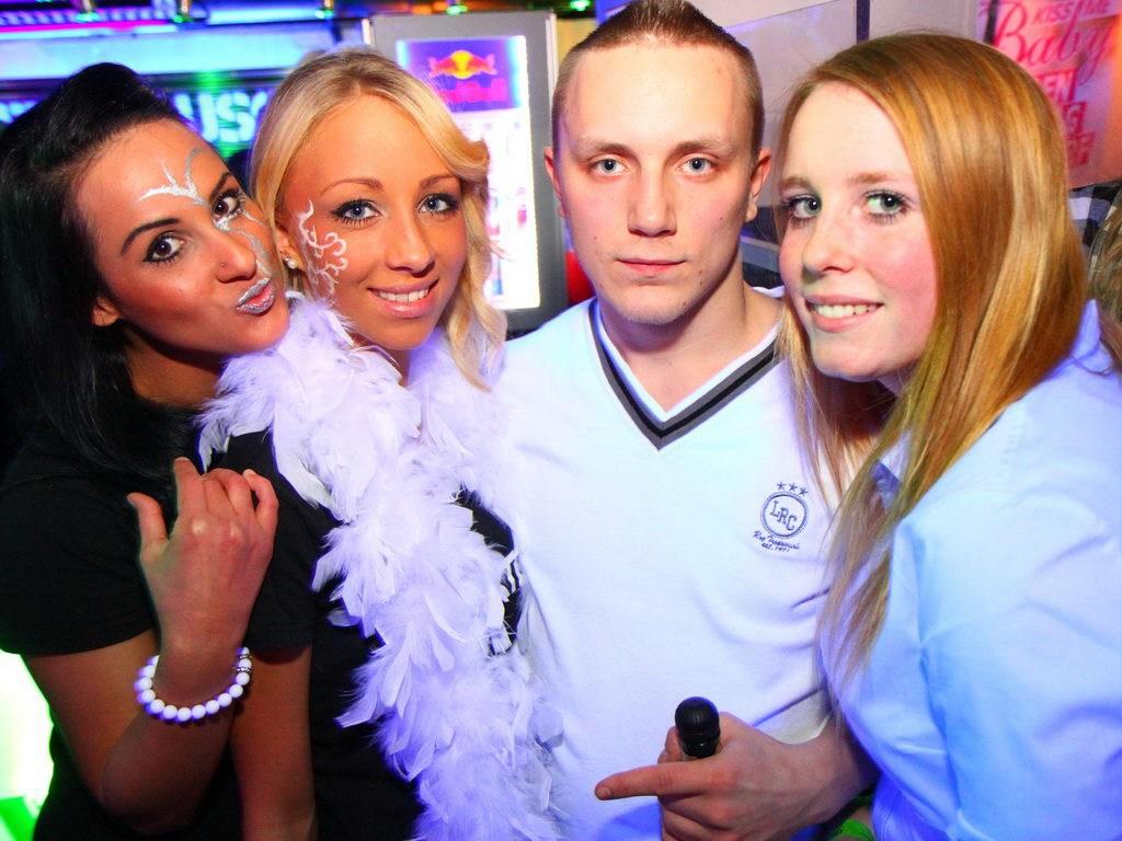 Partyfoto #50 Q-Dorf 07.01.2012 Galaktika