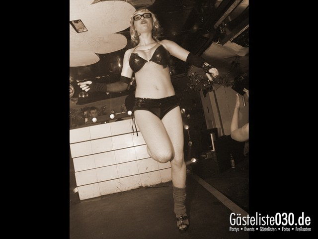 https://www.gaesteliste030.de/Partyfoto #39 Q-Dorf Berlin vom 04.01.2012