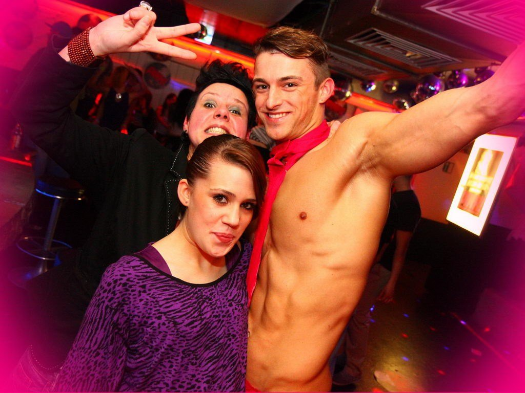 Partyfoto #48 Q-Dorf 24.02.2012 Pink! - Part 1