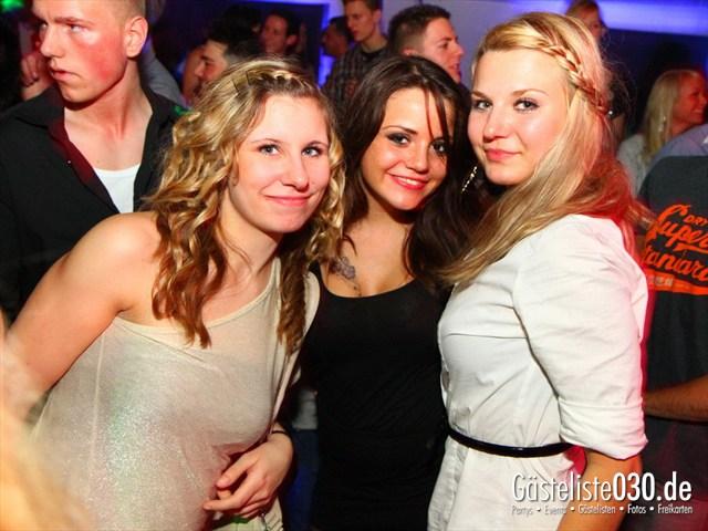 https://www.gaesteliste030.de/Partyfoto #11 Maxxim Berlin vom 22.12.2011