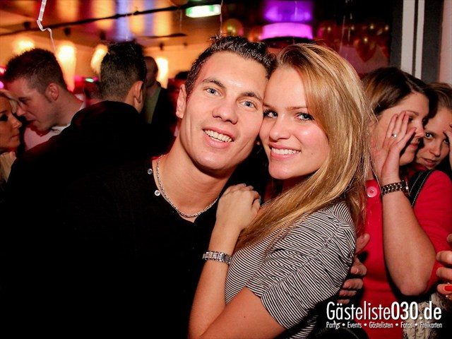 https://www.gaesteliste030.de/Partyfoto #98 Maxxim Berlin vom 09.12.2011