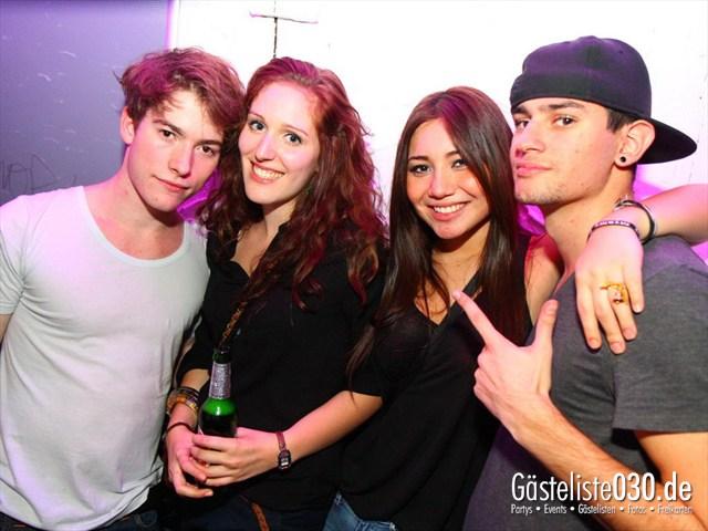 https://www.gaesteliste030.de/Partyfoto #137 Q-Dorf Berlin vom 28.12.2011