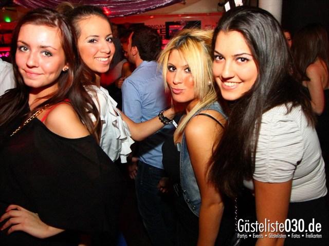 https://www.gaesteliste030.de/Partyfoto #83 Maxxim Berlin vom 02.02.2012