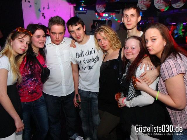 https://www.gaesteliste030.de/Partyfoto #196 Q-Dorf Berlin vom 09.12.2011