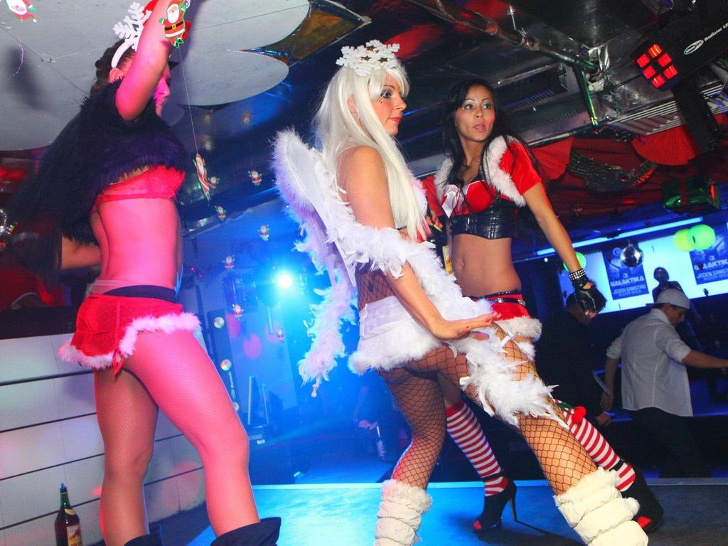 Partyfoto #75 Q-Dorf 24.12.2011 X - MAX GALAKTIKA