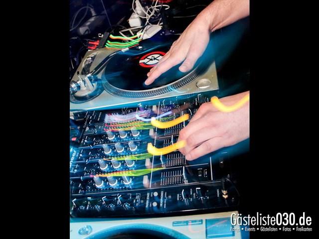 https://www.gaesteliste030.de/Partyfoto #69 Maxxim Berlin vom 06.01.2012