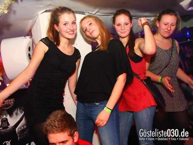 https://www.gaesteliste030.de/Partyfoto #200 Q-Dorf Berlin vom 28.12.2011