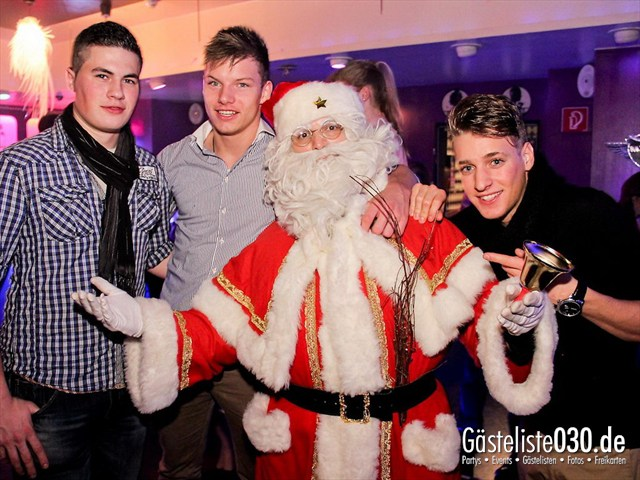 https://www.gaesteliste030.de/Partyfoto #122 Maxxim Berlin vom 24.12.2011