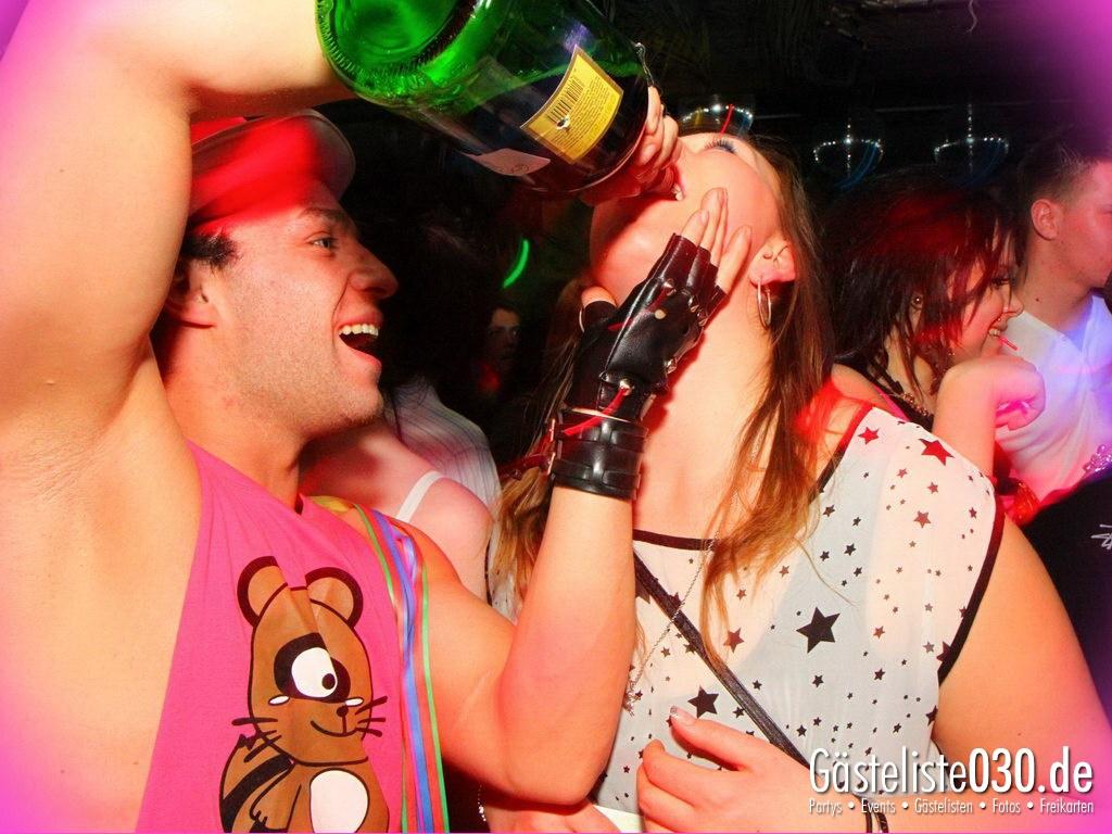 Partyfoto #75 Q-Dorf 30.03.2012 Pink!
