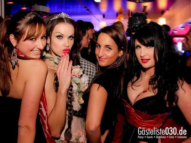 https://www.gaesteliste030.de/Partyfoto #57 Maxxim Berlin vom 09.12.2011
