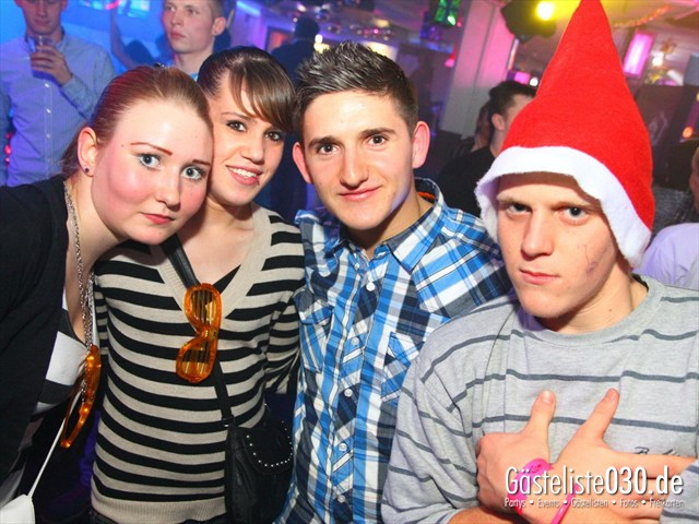 https://www.gaesteliste030.de/Partyfoto #147 Q-Dorf Berlin vom 23.12.2011