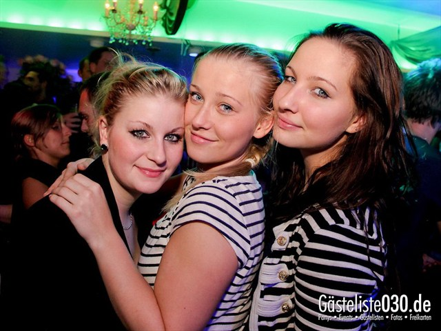 https://www.gaesteliste030.de/Partyfoto #6 Maxxim Berlin vom 09.12.2011