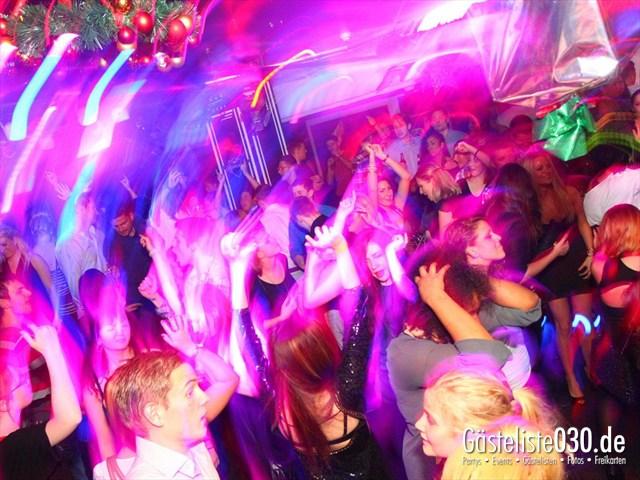 https://www.gaesteliste030.de/Partyfoto #28 Maxxim Berlin vom 26.12.2011