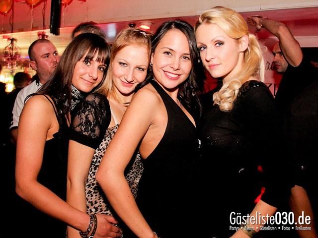 https://www.gaesteliste030.de/Partyfoto #123 Maxxim Berlin vom 09.12.2011