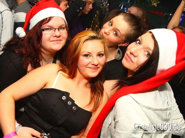 https://www.gaesteliste030.de/Partyfoto #80 Q-Dorf Berlin vom 23.12.2011